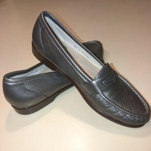 SAS Loafer 8.5S Dark Gray Shiny Tripad Comfort